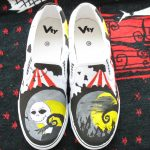 Sneakers mit handgemaltem Design